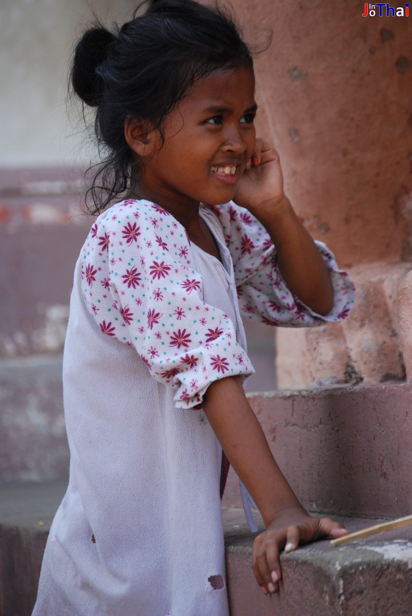 Kleines Mädchen am Wat Phnom in Phnom Penh - Kambodscha