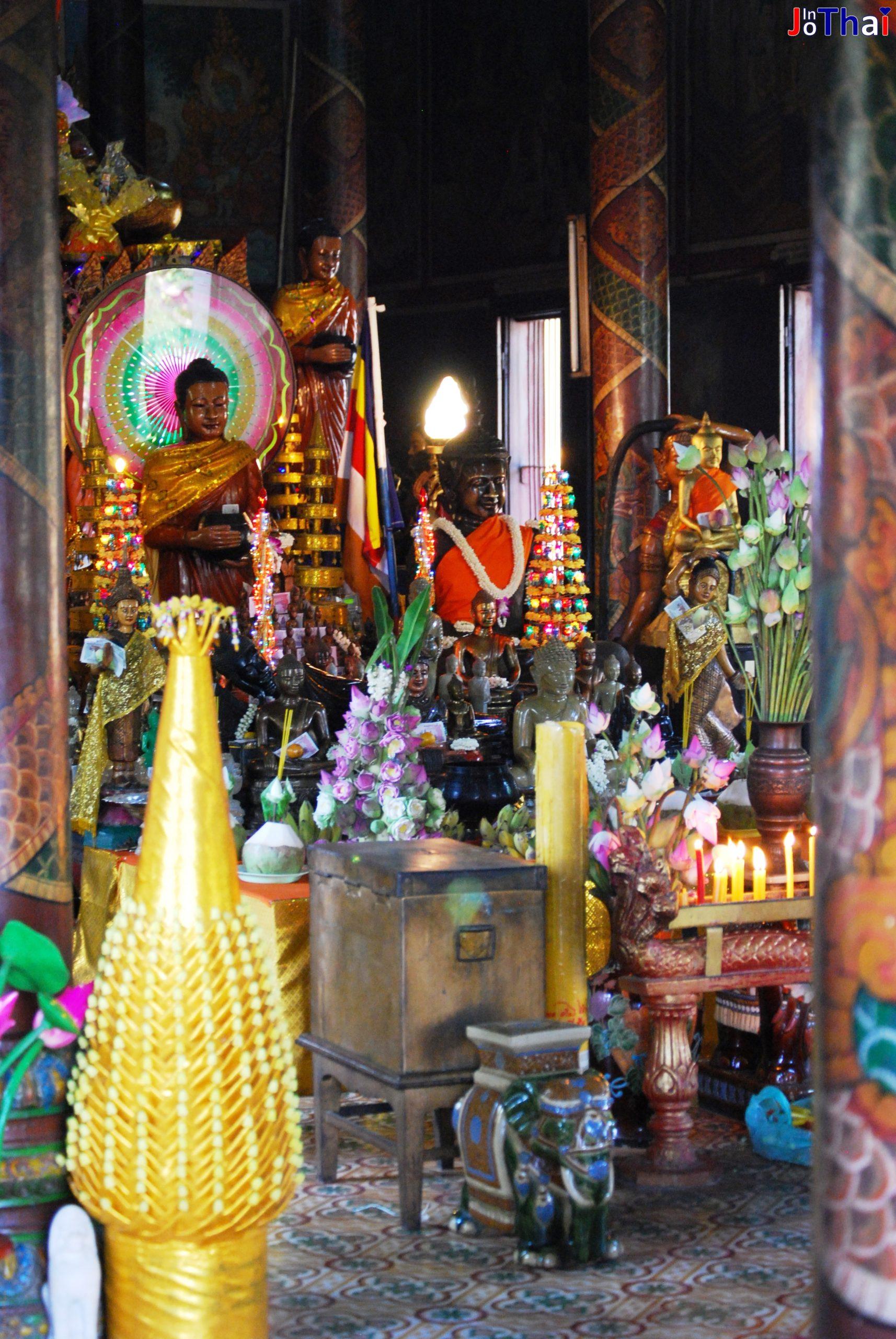 Altar in Wat Phnom - Phnom Penh - Kambodscha