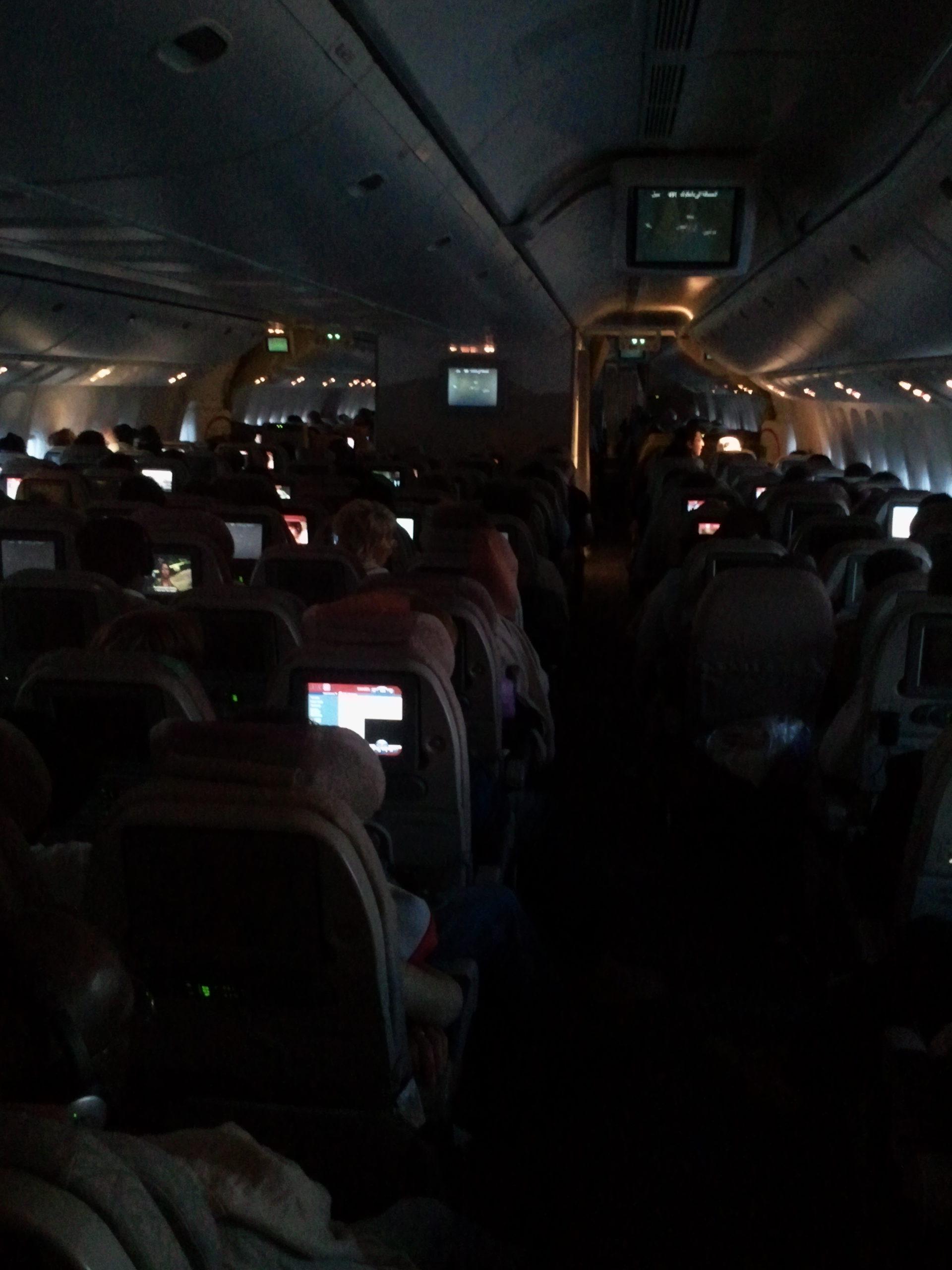 Im Flugzeug nach Dubai