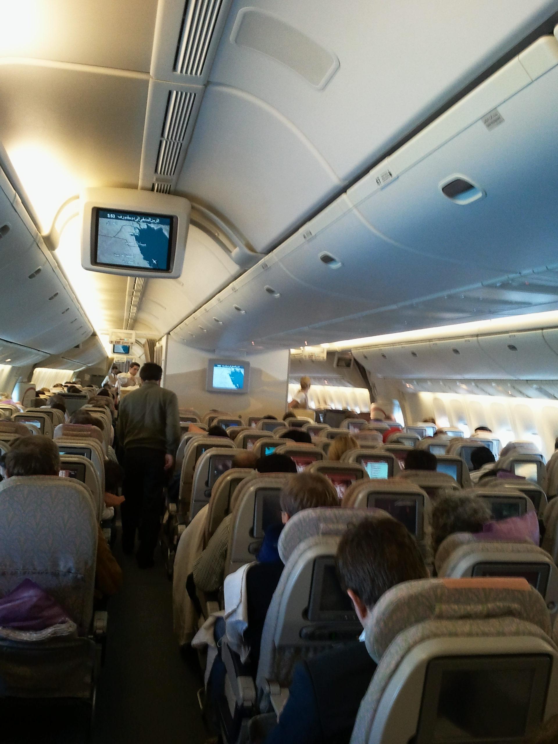 Im Flugzeug nach Bangkok