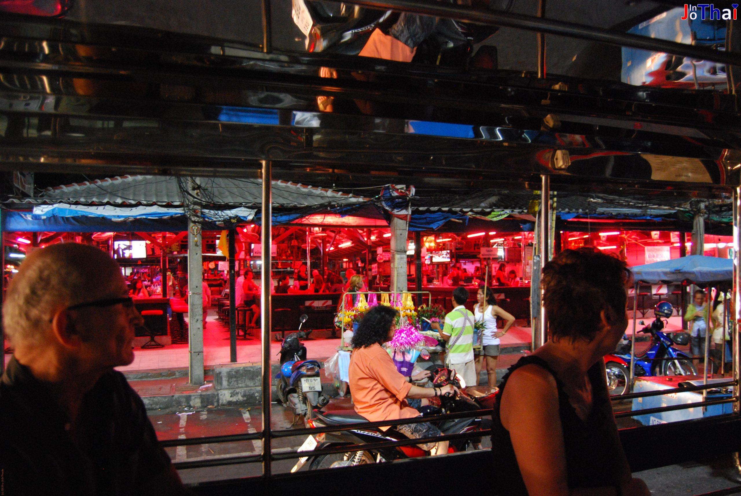 Bierbar aus einem Baht Bus - Pattaya - Thailand